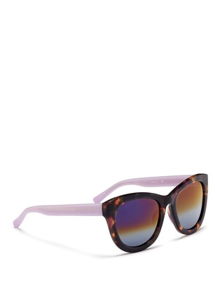 模特儿示范图 - 点击放大 - MATTHEW WILLIAMSON - 拼色Wayfarer太阳眼镜