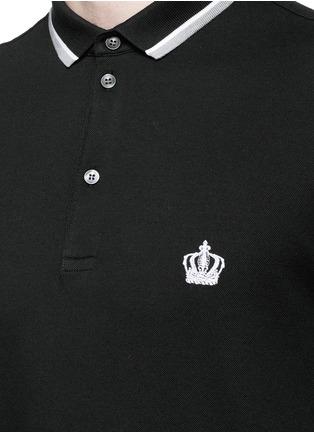 细节 - 点击放大 - DOLCE & GABBANA - 皇冠标志刺绣纯棉POLO衫