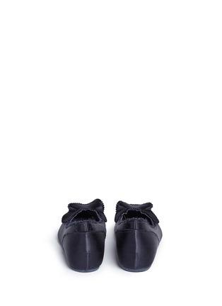 背面 - 点击放大 - PEDRO GARCÍA - ALBANY层次荷叶边缎面尖头平底鞋