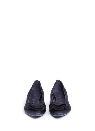 正面 -点击放大 - PEDRO GARCÍA - ALBANY层次荷叶边缎面尖头平底鞋