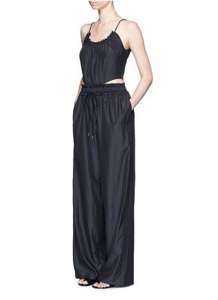 模特示范图 - 点击放大 - 3.1 PHILLIP LIM - 腰部镂空棉混丝连体阔腿裤