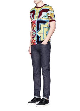 模特儿示范图 - 点击放大 - DOLCE & GABBANA - 多色瓷砖印花纯棉T恤