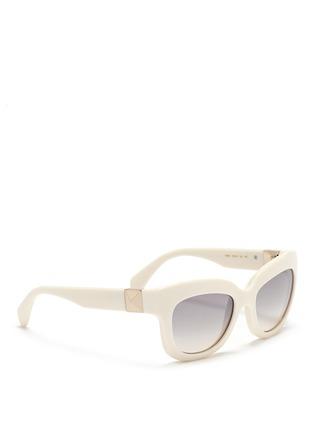 模特示范图 - 点击放大 - Valentino - 铆钉猫眼太阳眼镜