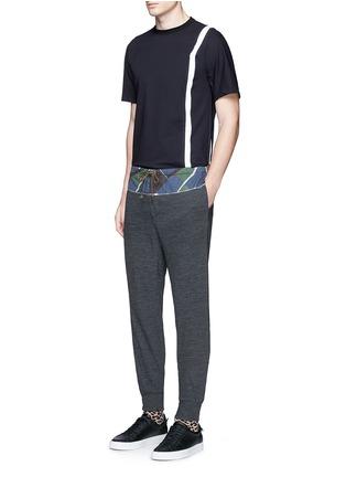 模特儿示范图 - 点击放大 - KOLOR - 几何图案混羊毛长裤