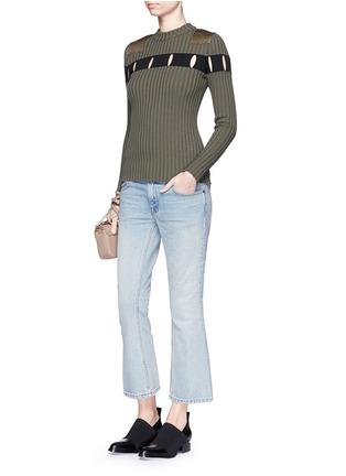 模特示范图 - 点击放大 - T BY ALEXANDER WANG - Trap水洗喇叭牛仔裤