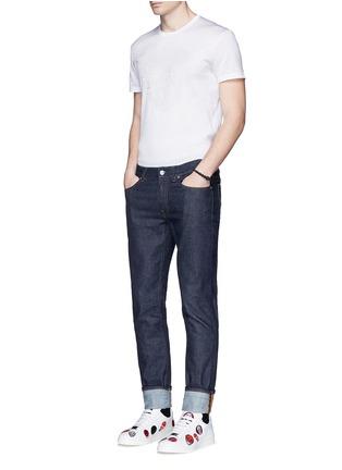 模特儿示范图 - 点击放大 - ALEXANDER MCQUEEN - 骷髅及条纹刺绣纯棉T恤