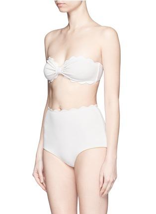 模特儿示范图 - 点击放大 - MARYSIA  - Antibes扇贝边抹胸式比基尼泳衣
