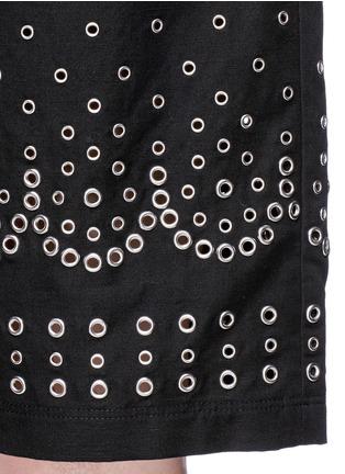 细节 - 点击放大 - ALEXANDER WANG  - 孔钉装饰休闲短裤