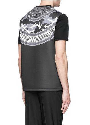背面 - 点击放大 - NEIL BARRETT - 迷彩及头巾印花太空棉T恤