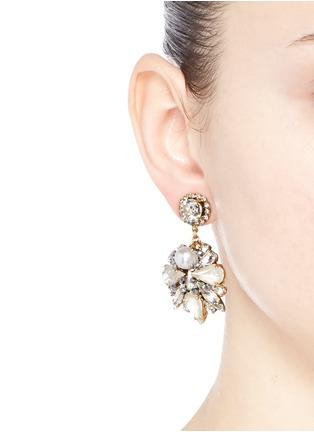 模特示范图 - 点击放大 - ERICKSON BEAMON - SWAN LAKE花卉造型吊坠耳环