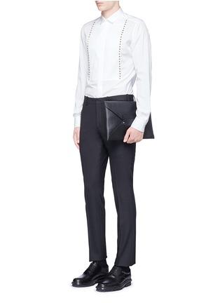 模特儿示范图 - 点击放大 - Valentino - 条纹拼贴铆钉纯棉衬衫