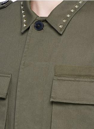 细节 - 点击放大 - VALENTINO - 铆钉装饰纯棉军装夹克