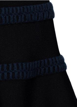 细节 - 点击放大 - AZZEDINE ALAÏA - Frise镂空条带装饰混羊毛喇叭连衣裙