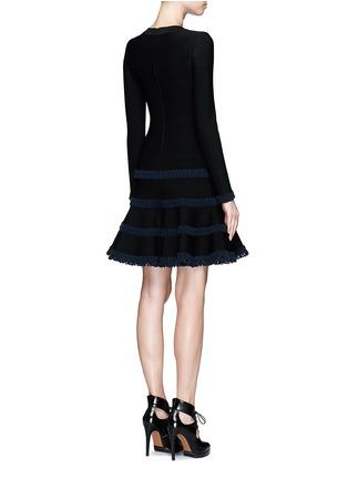 背面 - 点击放大 - AZZEDINE ALAÏA - Frise镂空条带装饰混羊毛喇叭连衣裙