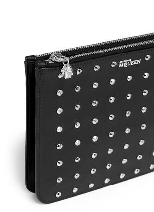 细节 - 点击放大 - Alexander McQueen - 'Bysin' facet stud double zip leather pouch
