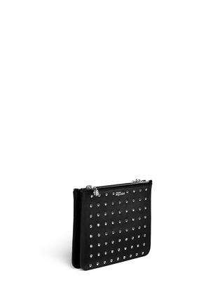 模特示范图 - 点击放大 - Alexander McQueen - 'Bysin' facet stud double zip leather pouch