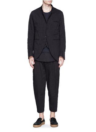 模特儿示范图 - 点击放大 - ZIGGY CHEN - 棉麻条纹立领外套