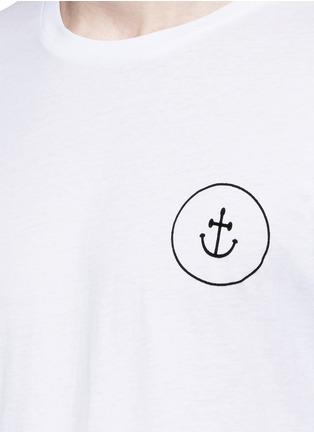 细节 - 点击放大 - INSTED WE SMILE - 品牌标志纯棉T恤