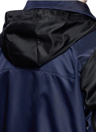 细节 - 点击放大 - GIVENCHY - 拼色连帽尼龙外套