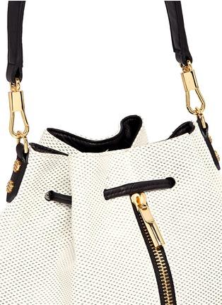 细节 - 点击放大 - ELIZABETH AND JAMES - 'Cynnie' perforated leather bucket bag