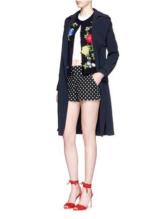模特示范图 - 点击放大 - alice + olivia - 花卉刺绣纯棉针织外套