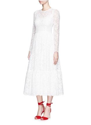 模特示范图 - 点击放大 - DOLCE & GABBANA - 花卉蕾丝褶裥连衣裙