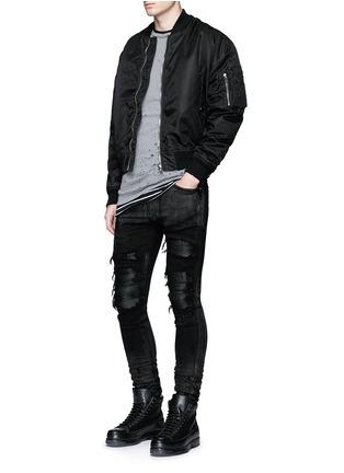 模特儿示范图 - 点击放大 - AMIRI - 金属涂层磨破补丁修身牛仔裤