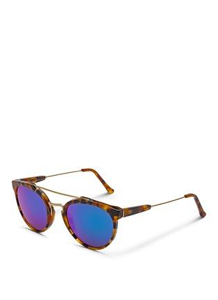 模特儿示范图 - 点击放大 - SUPER - GIAGUARO中性款玳瑁纹板材圆框太阳眼镜