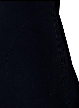细节 - 点击放大 - NORMA KAMALI - 单色弹力连衣裙