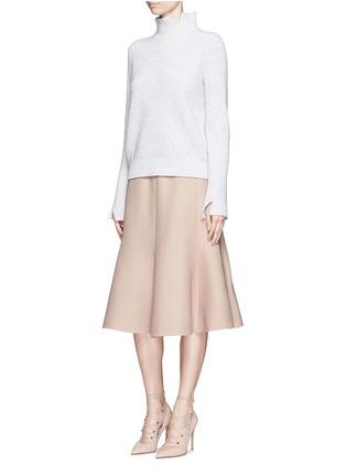 模特儿示范图 - 点击放大 - VALENTINO - 单色羊毛混丝绉绸半身裙