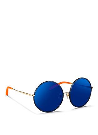 模特儿示范图 - 点击放大 - MATTHEW WILLIAMSON - 琥珀纹大圆框太阳眼镜