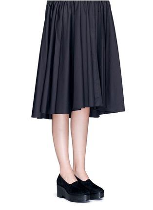 模特示范图 - 点击放大 - CLERGERIE - XALO弹性绒面皮坡跟鞋