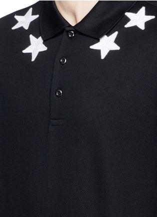 细节 - 点击放大 - GIVENCHY BEAUTY - 五角星数字图案纯棉POLO衫