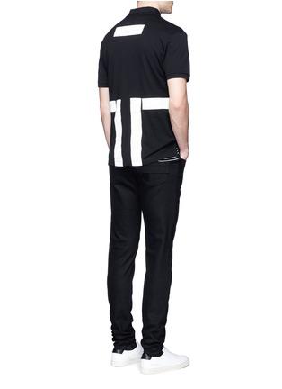 模特儿示范图 - 点击放大 - GIVENCHY - 条纹拼贴纯棉polo衫