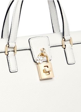 细节 - 点击放大 - DOLCE & GABBANA - 锁头旋扣荔枝纹真皮手提包