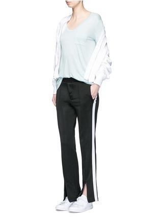 模特儿示范图 - 点击放大 - ALEXANDERWANG.T - CLASSIC单色胸袋T恤