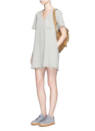 模特示范图 - 点击放大 - ALEXANDERWANG.T - 条纹须边纯棉连衣裙