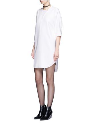 模特儿示范图 - 点击放大 - ALEXANDER WANG  - 蝙蝠袖单色连衣裙