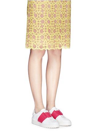 模特示范图 - 点击放大 - Valentino - 拼色系带运动鞋