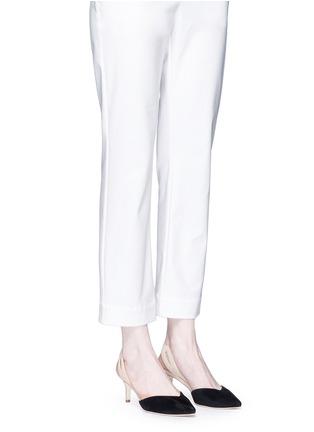 模特示范图 - 点击放大 - ISA TAPIA - CLEMENTINA拼色绒面皮侧空高跟鞋