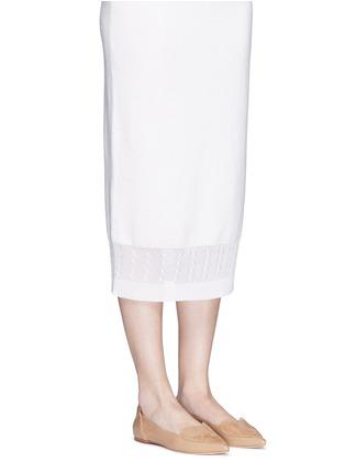 模特儿示范图 - 点击放大 - ISA TAPIA - CLEMENT心形绒面皮拼接漆皮平底鞋