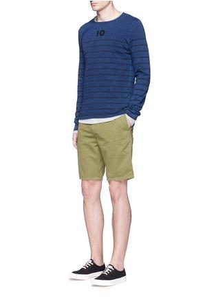 模特儿示范图 - 点击放大 - SCOTCH & SODA - 单色纯棉斜纹布短裤
