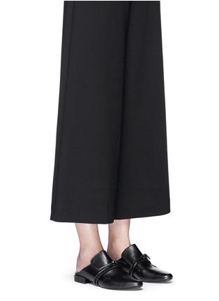 模特示范图 - 点击放大 - 3.1 PHILLIP LIM - LOUIE双搭带装饰穆勒平底鞋