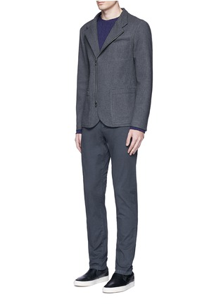 模特儿示范图 - 点击放大 - ARMANI COLLEZIONI - 拼色两用领外套