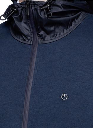 细节 - 点击放大 - ARMANI COLLEZIONI - 拼色品牌标志连帽夹克