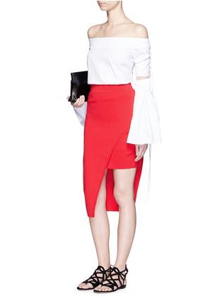 模特示范图 - 点击放大 - NICHOLAS - 斜裁双层弧形针织半身裙