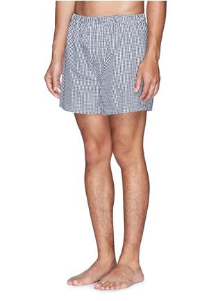 模特儿示范图 - 点击放大 - SUNSPEL - 纯棉格纹内裤