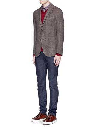 模特儿示范图 - 点击放大 - ARMANI COLLEZIONI - 单色V领羊毛针织衫