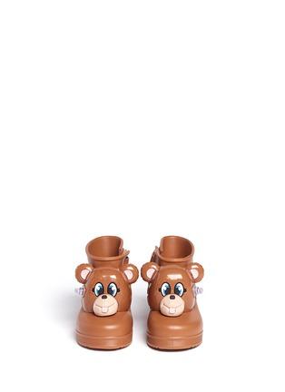 模特儿示范图 - 点击放大 - MELISSA - x JEREMY SCOTT幼儿款小熊造型PVC短靴