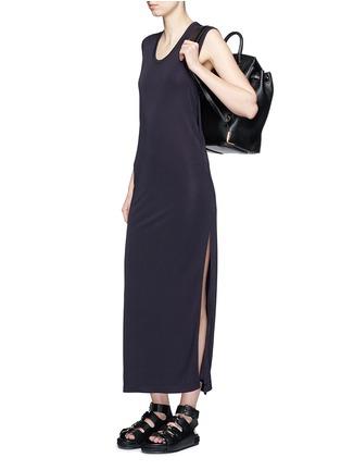 模特示范图 - 点击放大 - ALEXANDERWANG.T - 高衩弹性无袖连衣裙